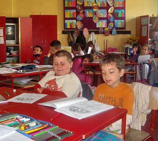 """Деци Космета са осмехом, заједно у школским клупама"""" Суботица 2009"""